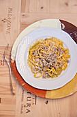 Tagliatelle al ragù bianco di Chianina (tagliatelle with veal ragout, Italy)