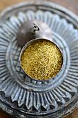 A bowl of Pannonian fennel pollen