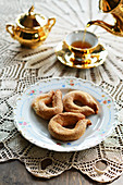 Torcetti di Saint Vincent (Italian sugar rings) served with tea
