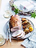 Pute mit Schweinefleisch-Fenchel-Füllung zu Weihnachten