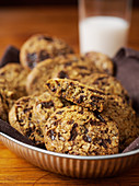 Oat cookies with chocolate chips