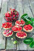 Strawberry mascarpone tarts