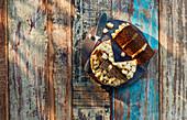 Peruanische Schokoladen-Schichttorte mit Cremefüllung
