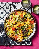Gebratener Maissalat mit Melone, Gurke und süß-saurer Vinaigrette
