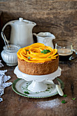 Vanilla cheesecake with mango