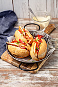 Hot Dogs with fried halloumi cheese, pepper and onion