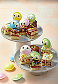Googly-eye Lamington cakes