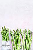 Frischer grüner Spargel