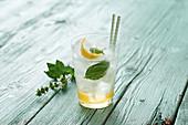 Limoncello tonic