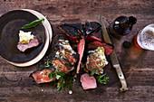 Gegrilltes Eisenhower-Steak mit Kräuterbutter