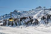 Switzerland, Engadin, Pontresina: Diavolezza, mountain railway