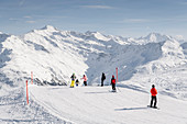 Switzerland, Grisons, Klosters: Skiing at the Gotschnagrat. Skiresort Davos-Klosters