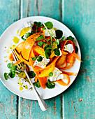 Karottensalat mit Brunnenkresse, Feta und Orangenfilets