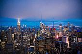 Blick vom Rockefeller Center auf Manhattan, New York City, USA