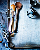 Utensils (baking equipment, biscuit cutter, whisk)