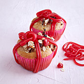 Parcel muffins topped with muesli