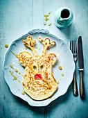 Rentier-Pancake mit Ahornsirup zu Weihnachten