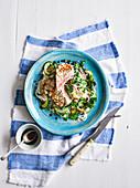 Gebratener Thunfisch mit Ponzu-Dressing, Koriander und Reisnudeln