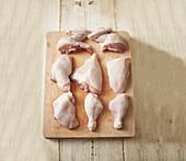 Verschiedene frische Hühnerteile