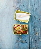 Lunch Bowl mit Truthahn-Clementinen-Salat