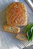 Wild garlic spelt bread