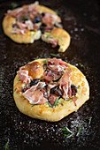 Blue cheese fig and prosciutto pizza