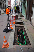 Fibre optic cable installation