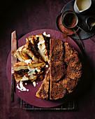Dunkler Schokoladenpudding mit Trockenpflaumen und Whisky