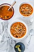 Sopa de conchas (Mexican mussel noodle soup)
