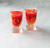 Vegan strawberries 'en rose'
