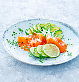 Salmon with avocado, limes and dill