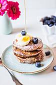 Berry smoothie pancakes