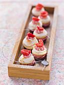 Raspberry meringue whoopies