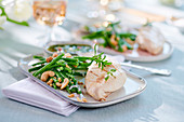 Steamed chicken breast with green beans and cashew nuts
