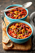pepper, leeks, tomatoes and red kidney bean stew