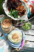 Coleslaw mit Erdnüssen zu Pulled Pork