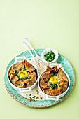 Pfannkuchen mit Spinat, Pilzen und Ei