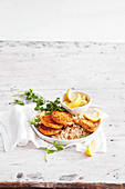 Tandoorilachs-Reiskuchen