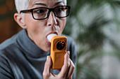 Monitoring respiratory illness with digital spirometer