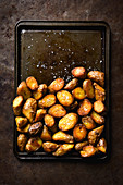 Knusprige Bratkartoffeln auf Backblech