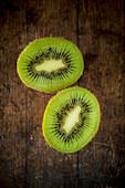 Kiwi, halbiert