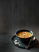 Wurzelgemüse-Ingwer-Suppe