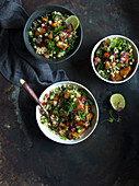 Quinoa-Tabouleh mit Grünkohl