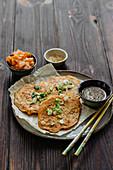 Pancakes mit Kimchi