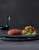 Beef tartare with roasted potatoes