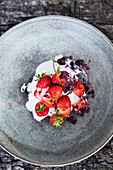 Yoghurt with fresh strawberries