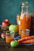 Möhren-Apfel-Saft