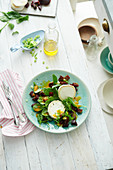 Spinach salad with goat's cheese and beetroot