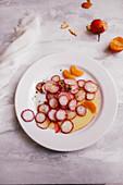 Radish salad with mandarins