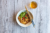 Noodles with ground pork and Sambal Oelek (Asia)